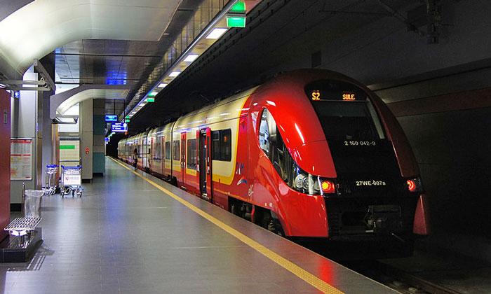 Поезд из аэропорта Варшава-Фредерик Шопен