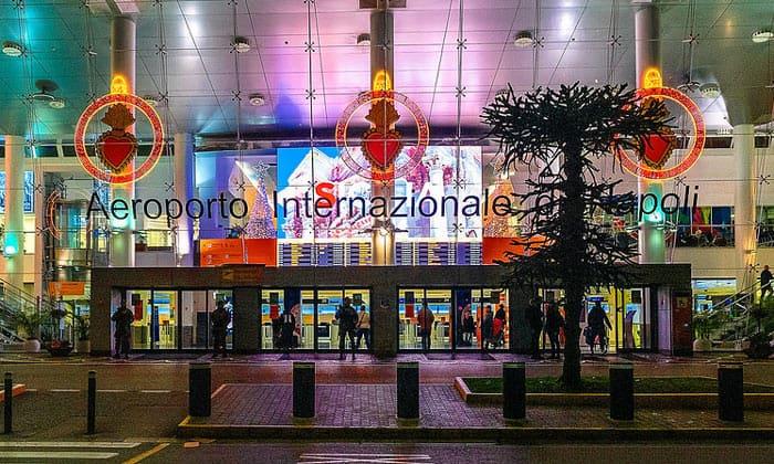 Международный аэропорт Неаполь-Каподикино (вход в Терминал 1)