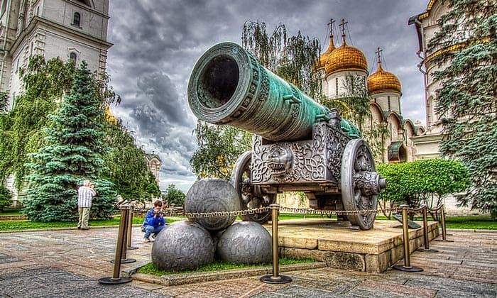 Царь-пушка московского Кремля