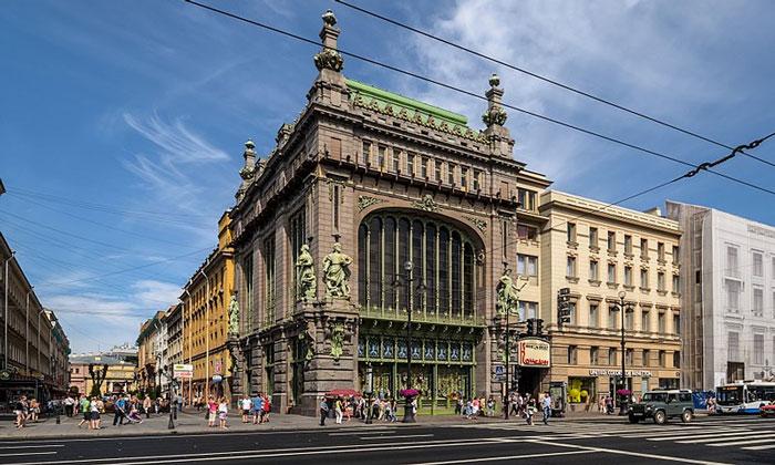 Елисеевский магазин в Санкт-Петербурге