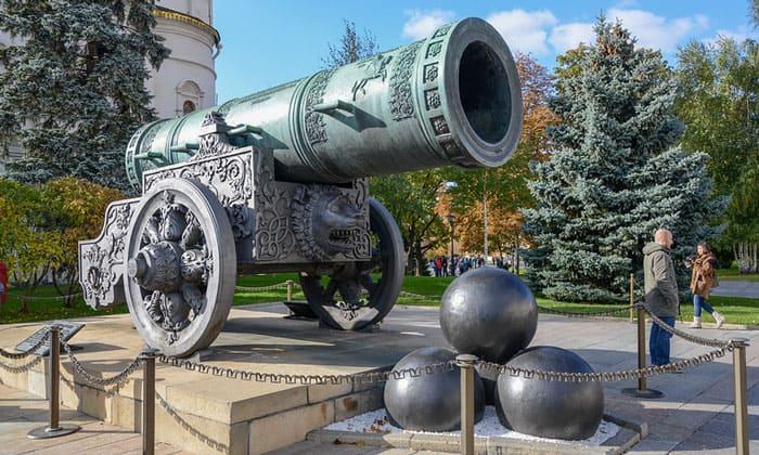 Царь-пушка Кремля в Москве