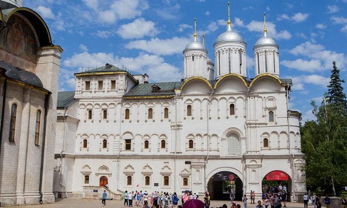Церковь Двенадцати апостолов в Москве