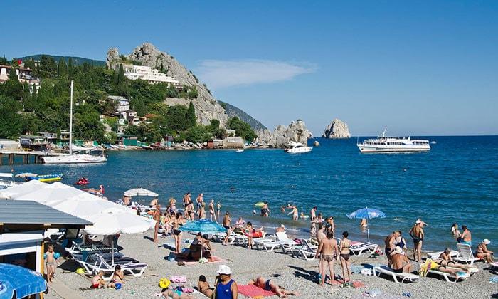 Гурзуфский пляж в Крыму