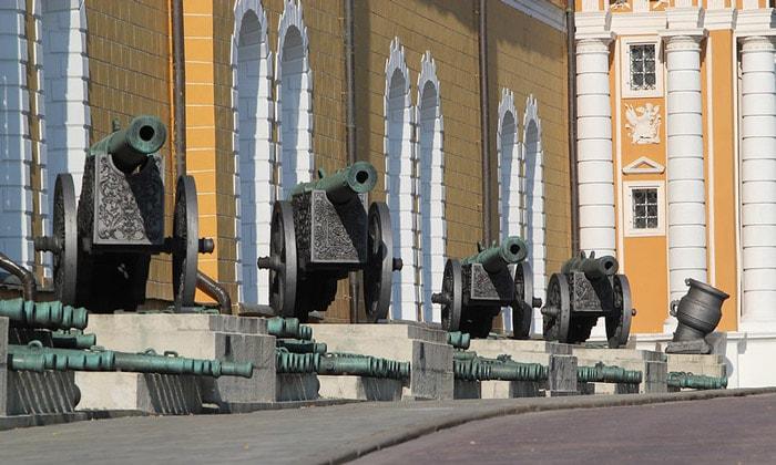 Кремлёвские пушки в Москве