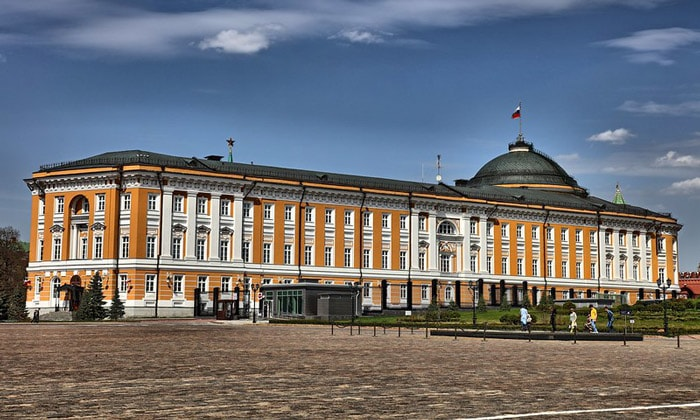 Сенатский дворец Кремля в Москве