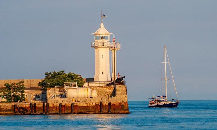 Ялтинский маяк в Крыму