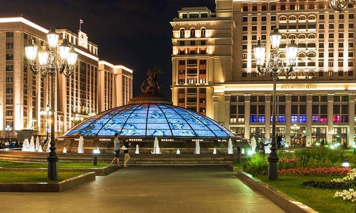 Манежная площадь в Москве