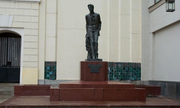 Памятник Чехову в Москве
