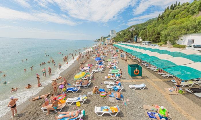 Пляж в Профессорском уголке Алушты