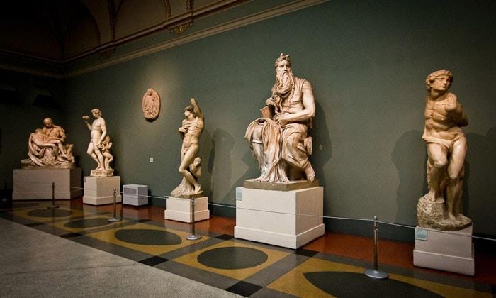 Скульптуры Пушкинского музея Москвы