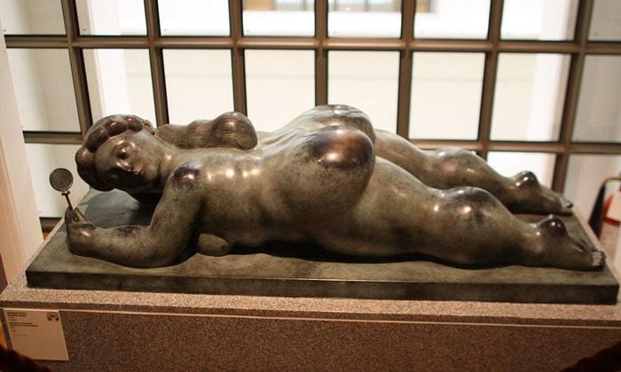 Скульптура «Венера с зеркалом» Пушкинского музея Москвы