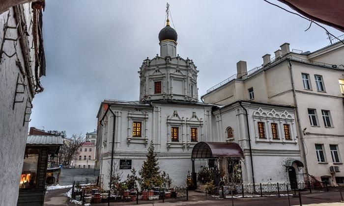 Храм Успения Пресвятой Богородицы на Чижевском подворье Москвы