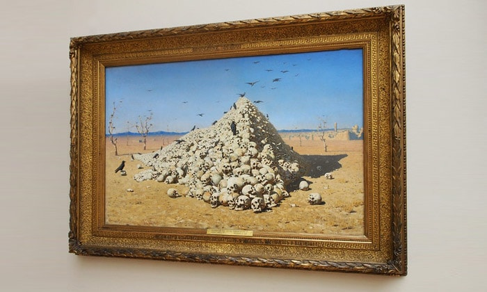 Картина «Апофеоз войны» Третьяковской галереи Москвы