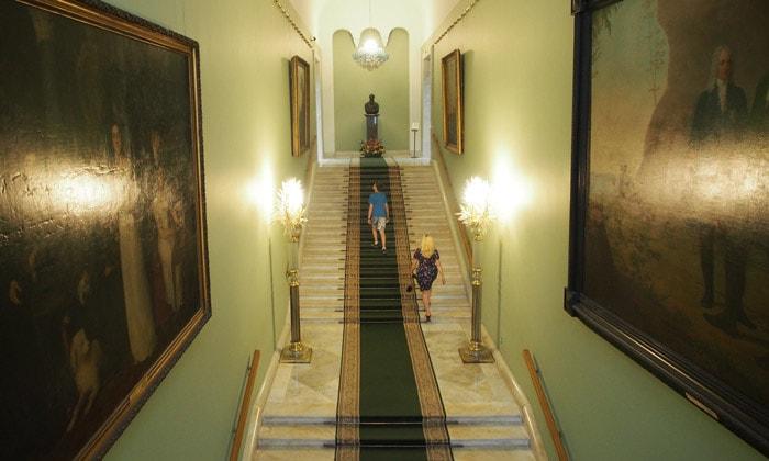 Лестница «Старой» Третьяковки в Москве