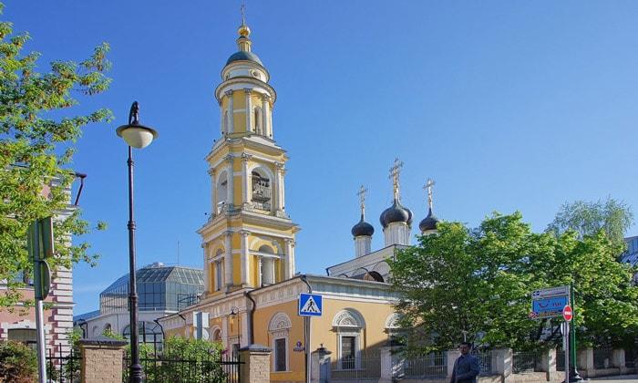 Храм СвятителяНиколая в Толмачах Москвы