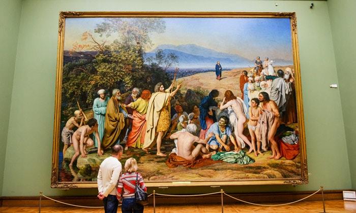 Картина «Явление Христа народу» Третьяковской галереи Москвы