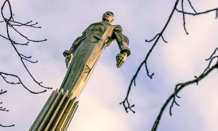 Памятник Гагарину в Москве