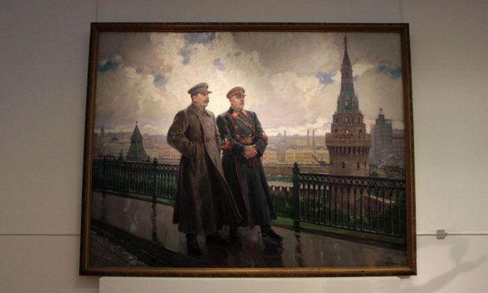 Картина «Сталин и Ворошилов в Кремле» Третьяковки Москвы
