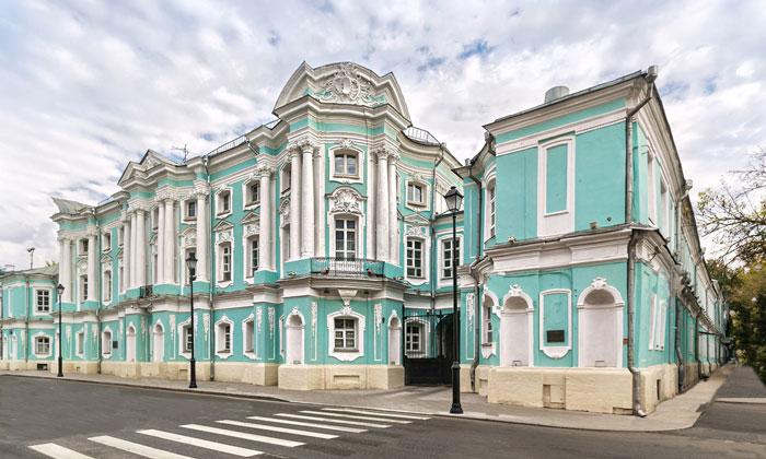 Апраксинский дворец в Москве