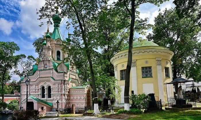 Церкви Лествичника и Свирского в Донском монастыре Москвы