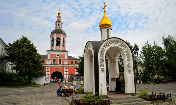 Надкладезная часовня Данилов монастыря Москвы