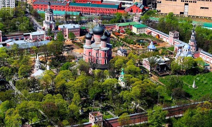 Панорама Донского монастыря Москвы