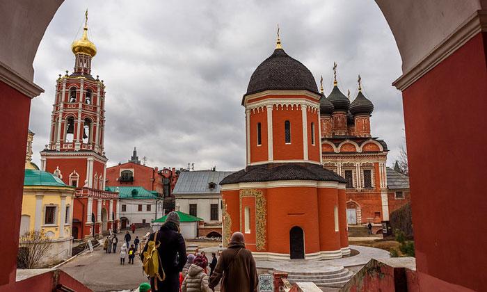 Высоко-Петровский монастырь Москвы