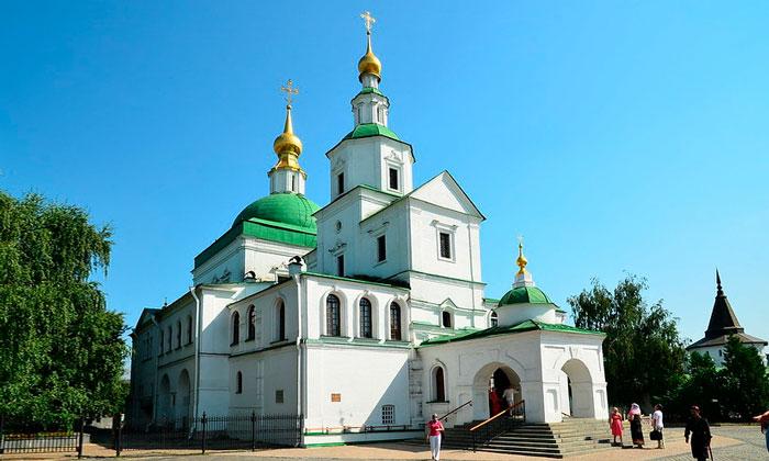 Храм Святых отцов Даниловского монастыря Москвы