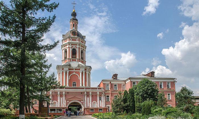 Храм Захарии и Елисаветы Донского монастыря Москвы