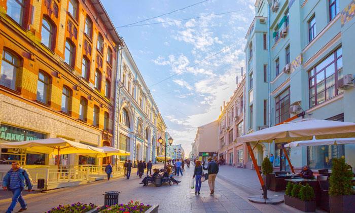 Улица Кузнецкий мост в Москве