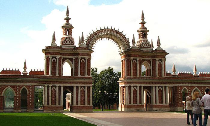 Арка-галерея Царицыно в Москве
