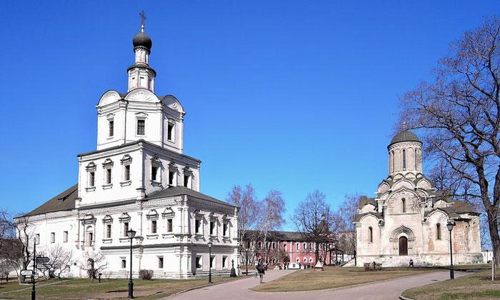 Архангельский и Спасский соборы в Москве