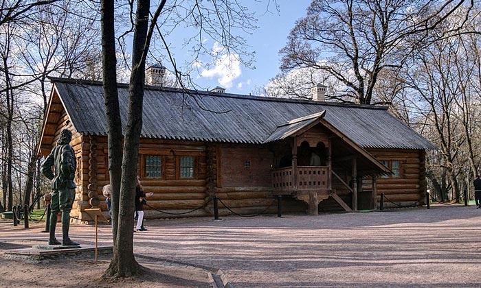 Домик Петра I в Коломенском Москвы