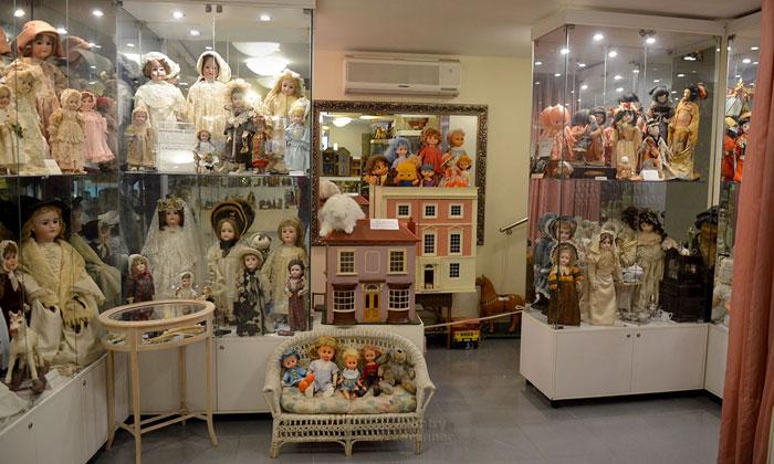 Экспозиция музея кукол в Москве