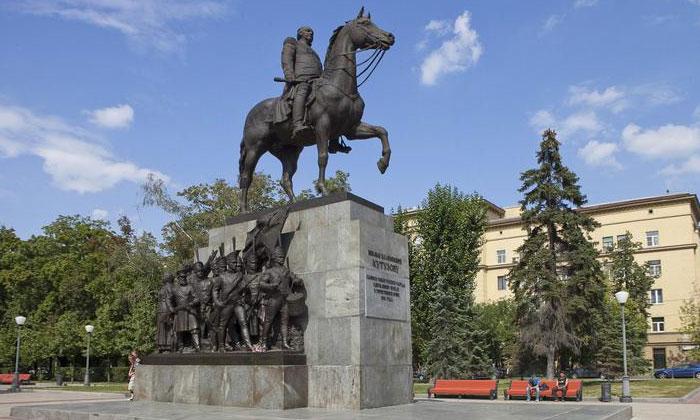 Конная статуя Кутузова в Москве