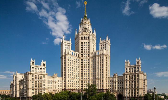 Высотка на Котельнической набережной Москвы