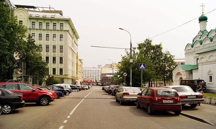 Поварская улица в Москве