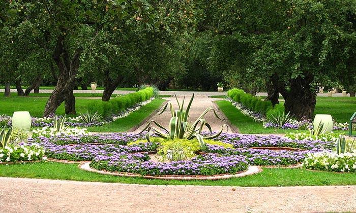 Сад Коломенского в Москве