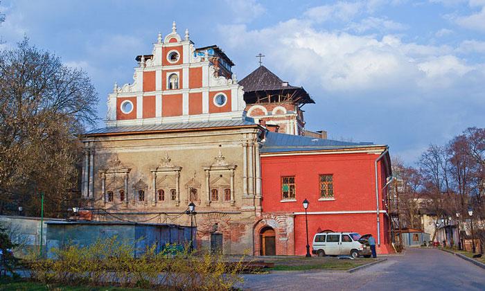 Трапезная Симонова монастыря в Москве