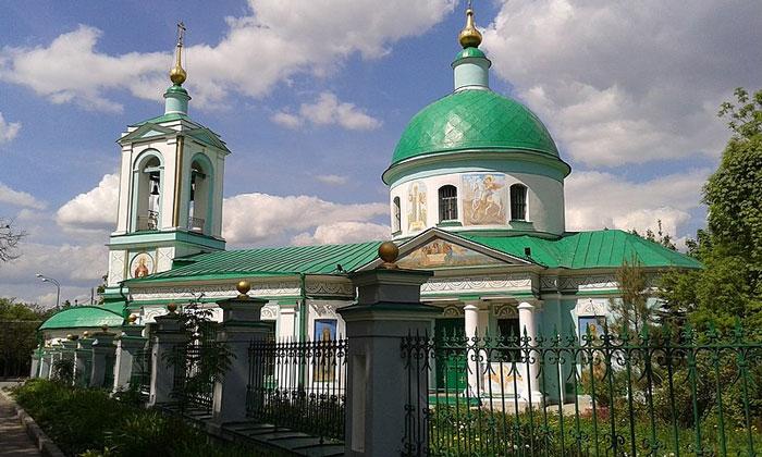 Храм Живоначальной Троицы на Воробьёвых горах Москвы