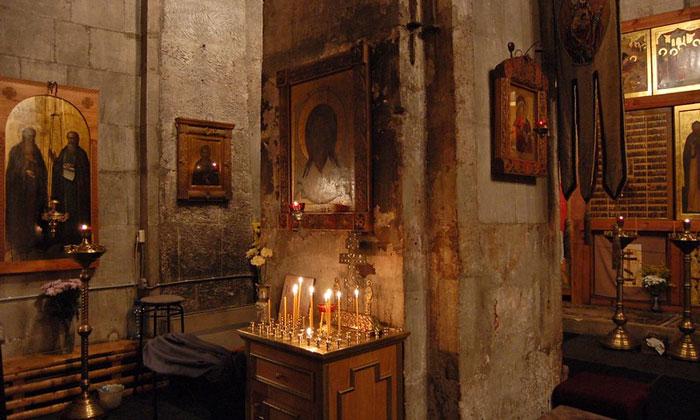 Внутри Андроникова монастыря Москвы