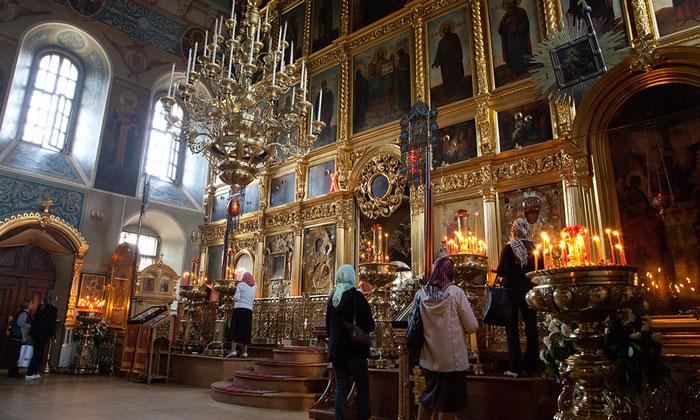 Внутри церкви Николы в Москве