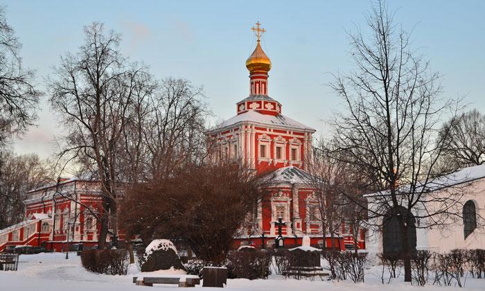 Успенская церковь Новодевичьего монастыря Москвы