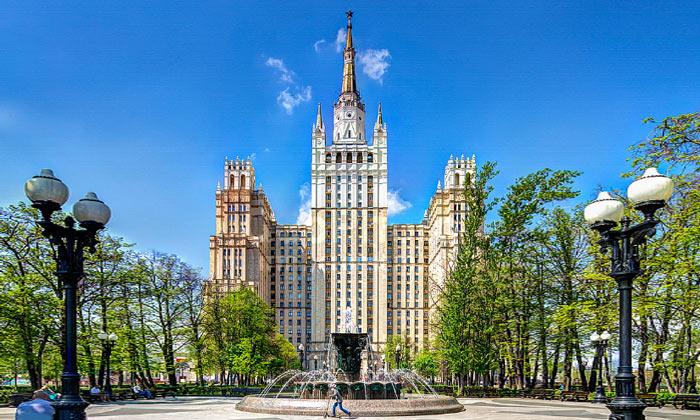 Здание на Кудринской площади Москвы