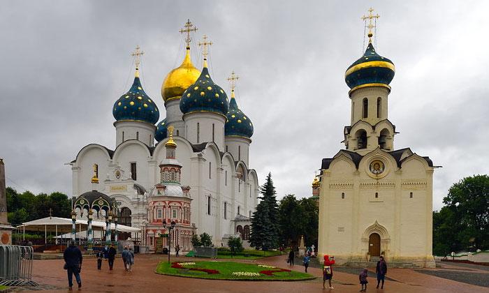 Успенский собор и церковь Духа