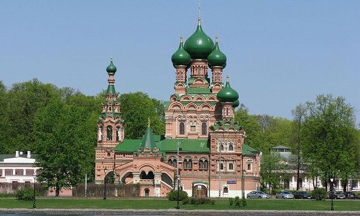 Церковь Живоначальной Троицы в Останкино Москвы