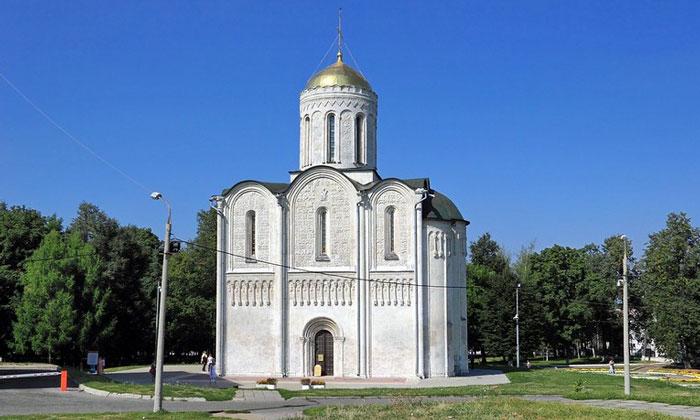 Дмитриевский собор Владимира в России