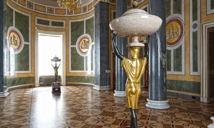 Двенадцатиколонный зал Эрмитажа