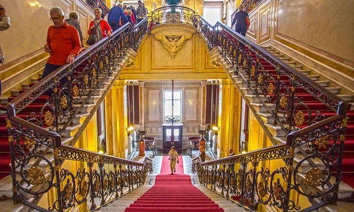 Советская лестница Эрмитажа