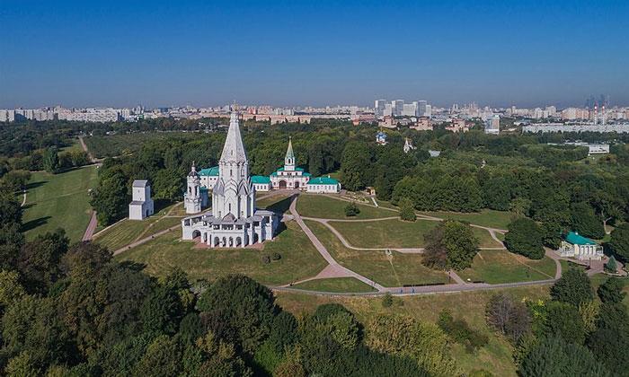 Дворцовое село Коломенское в Москве